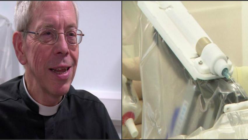 Foto: Premieră medicală! Un pacient şi-a recăpătat complet vederea după ce a fost operat la ochi cu ajutorul unui minirobot! Video
