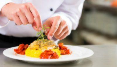 Trucuri culinare dezvăluite de bucătari pricepuţi