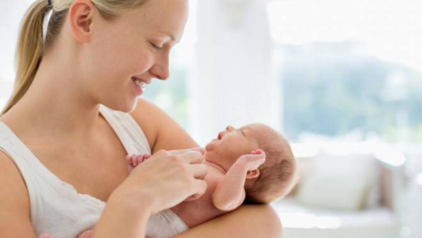 Foto: Mamele vor primi mai mulţi bani pentru creşterea copilului! Află din ce lună şi cu cât vor fi majorate indemnizaţiile