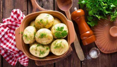 Cartofi fierți cu pătrunjel