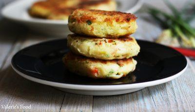 Foarte gustoase! Pârjoale din cartofi cu ceapă verde