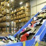 Foto: Ce se întâmplă cu hainele donate de oamenii din ţările bogate?