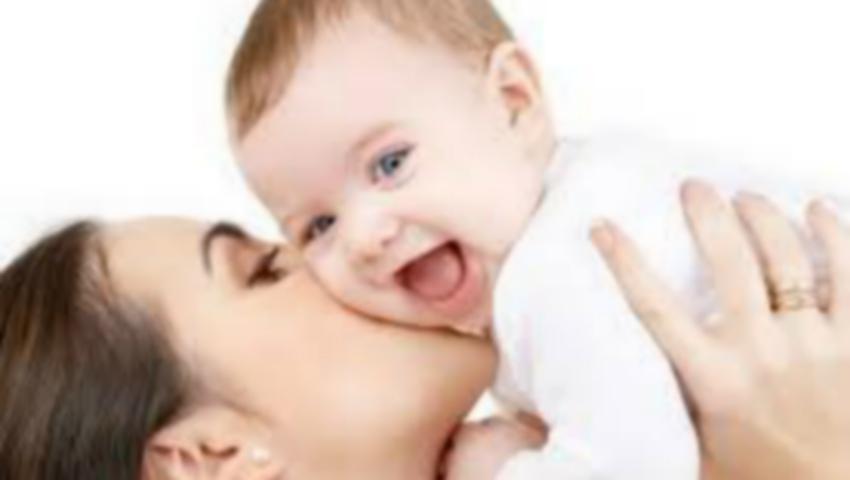 Foto: Concediul de maternitate ar putea fi redus de la trei la doi ani