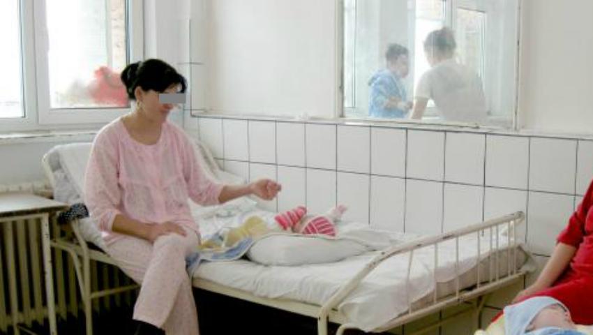Foto: Mai puţine internări ale mamelor cu copii, doar cazurile grave vor fi spitalizate! Vezi ce alte reforme şi-a pus în gând Ministerul Sănătăţii