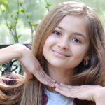 """Foto: Ea ne reprezintă la """"Golos Deti"""" din Rusia! Iuliana Beregoi:"""" Nu pot trăi fară… muzică, internet și McDonald's"""""""
