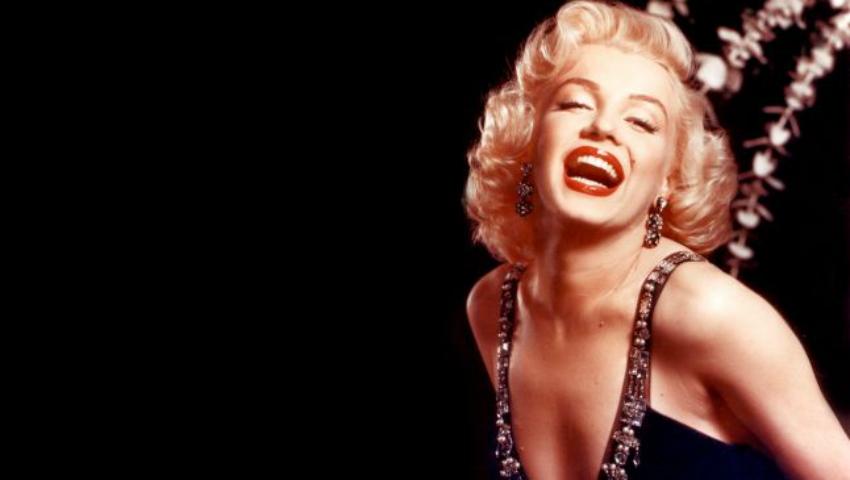 Foto: O rochie purtată de Marilyn Monroe, vândută cu 4,8 milioane de dolari