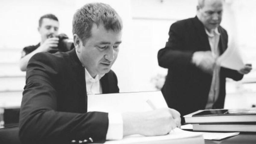 """Foto: Denis Roșca, despre cum s-a """"născut"""" """"Cartea de Aur a Basarabiei și a Republicii Moldova"""""""