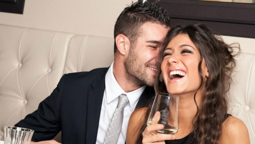 Foto: Cine plătește la prima întâlnire? Reguli de aur