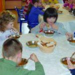 Foto: Revoltător! Alimente cu termen de valabilitate expirat au fost livrate copiilor câtorva grădinițe și școli din Capitală!