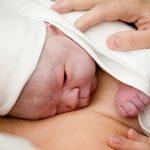 Foto: Cercetătorii au aflat ce lipseşte copiilor născuţi prin cezariană
