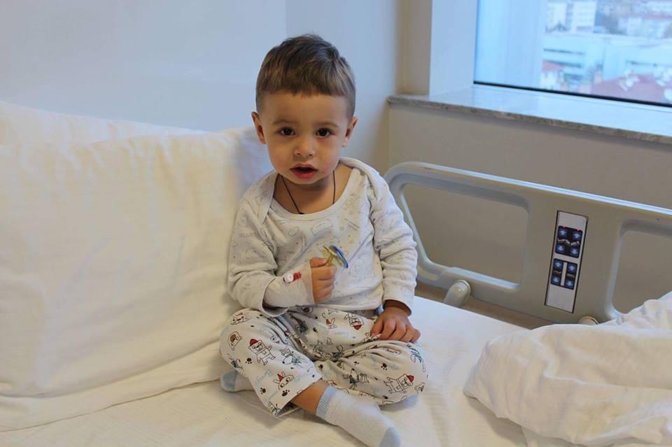 3784-mamica-cere-ajutor-pentru-roveliu-bolnav-cu-hidronefroza