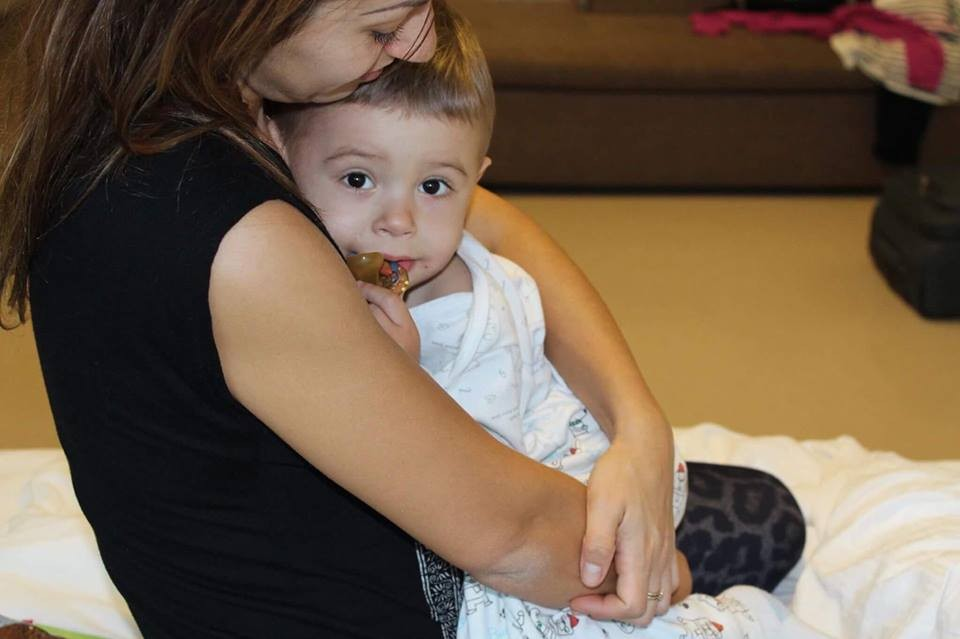 3786-mamica-cere-ajutor-pentru-roveliu-bolnav-cu-hidronefroza