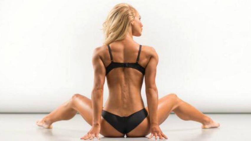 Foto: Ai curajul să faci acest exercițiu? Îți va asigura un spate sănătos și abdomen tonifiat