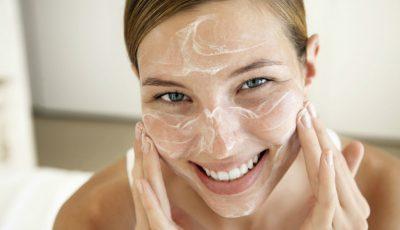 Ce faci dacă ai pielea foarte uscată? Noi am găsit soluția