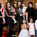 Foto: Ask a MOM a adunat sute de părinți și copii la o petrecere de poveste