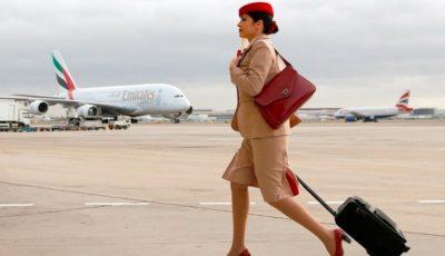 De ce toate stewardesele își țin părul în coc