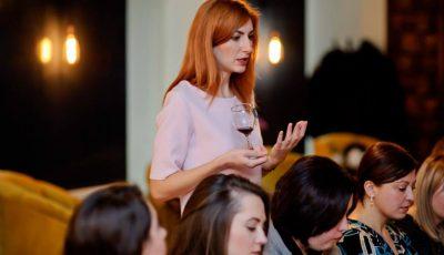 Orheianca şi-a invitat cititoarele la o un eveniment cu licori bahice