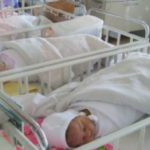 Foto: Indemnizația unică la nașterea copilului va fi majorată până la 5300 lei de la anul viitor