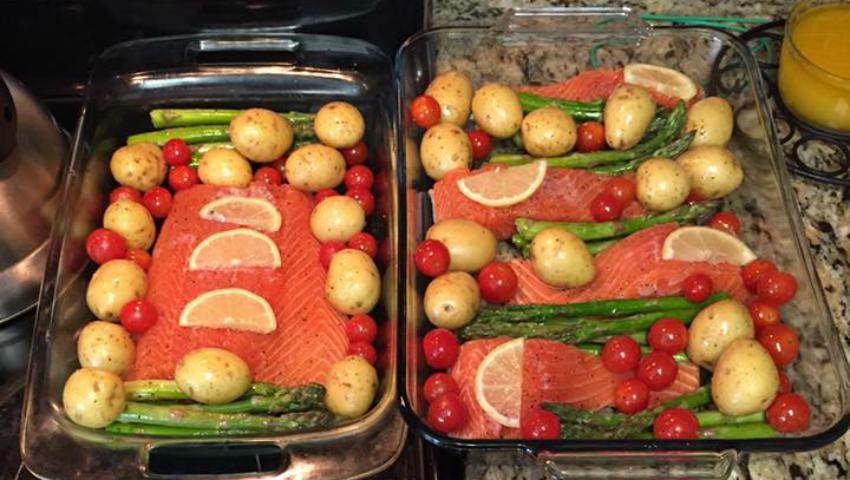 Foto: Somon la grătar cu legume