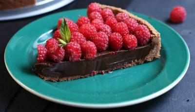 Gustos! Tartă de ciocolată cu zmeură