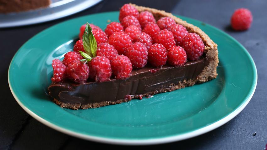Foto: Gustos! Tartă de ciocolată cu zmeură