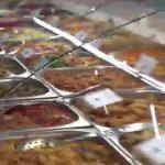 Foto: Controale în supermarketurile din Capitală! Mâncare gata preparată expirată, în vitrinele a zeci de magazine