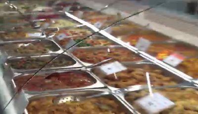 Controale în supermarketurile din Capitală! Mâncare gata preparată expirată, în vitrinele a zeci de magazine