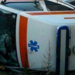 Foto: Accident în centrul Capitalei! O ambulanţă s-a răsturnat