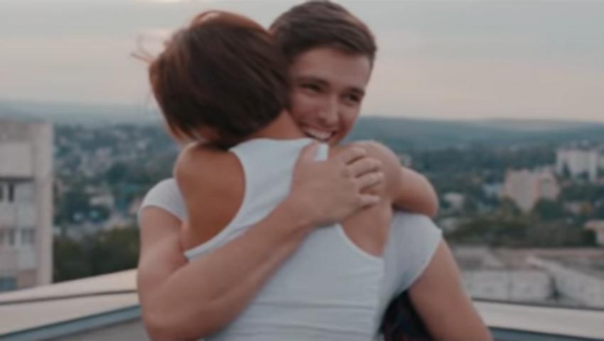 """Foto: De ziua sa, Nicoleta Nucă a lansat videoclipul la piesa """"Când pleci"""", scrisă de Carla's Dreams"""