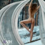 """Foto: Sorina Dima: """"După ce am pozat nud, maică-mea mă tot tachinează că n-o să-mi mai cumpere haine"""""""