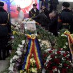Foto: Ion Ungureanu este condus pe ultimul drum
