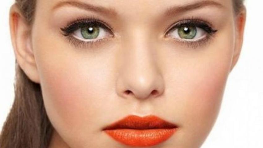 Cum să-ți micșorezi vizual nasul prin intermediul machiajului