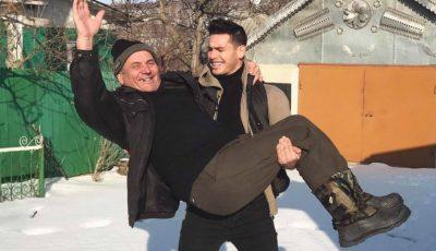 Iubita lui Valeriu Guțu trebuie să poată mulge vaca! Iată ce sfaturi a primit moldoveanul de la bunici