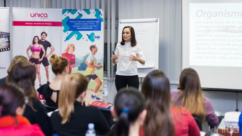 """Foto: Biletele la seminarul """"Detoxifierea după Sărbători"""" cu Galina Tomaș s-au vândut în timp record. Iată ce sfaturi au primit femeile de la nutriționist!"""