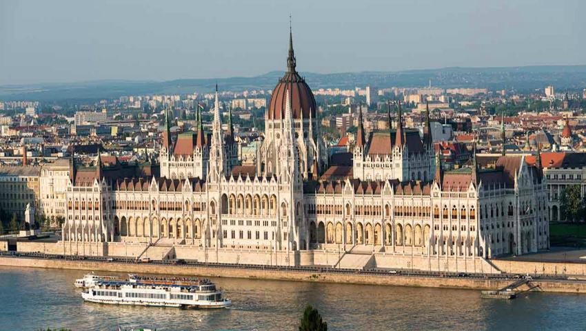 Foto: Ungaria oferă burse de studii pentru tinerii din Moldova. Vezi data limită de înregistrare la concurs!