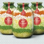 """Foto: Cum a fost servită vestita salată """"Olivie"""" pe mesele internauților"""