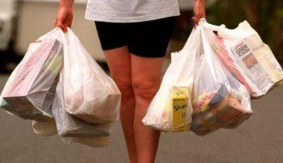 Din 1 ianuarie 2017, în magazinele din Moldova va fi interzisă distribuirea pungilor din plastic