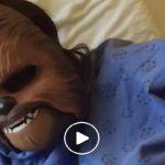 Foto: O femeie a născut în mască de Chewbacca! Așa a dorit să își manifeste emoțiile