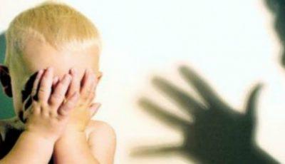 Copiii unor moldoveni, luați cu forța de autoritățile din Occident după ce părinții au fost suspectați de violență în familie