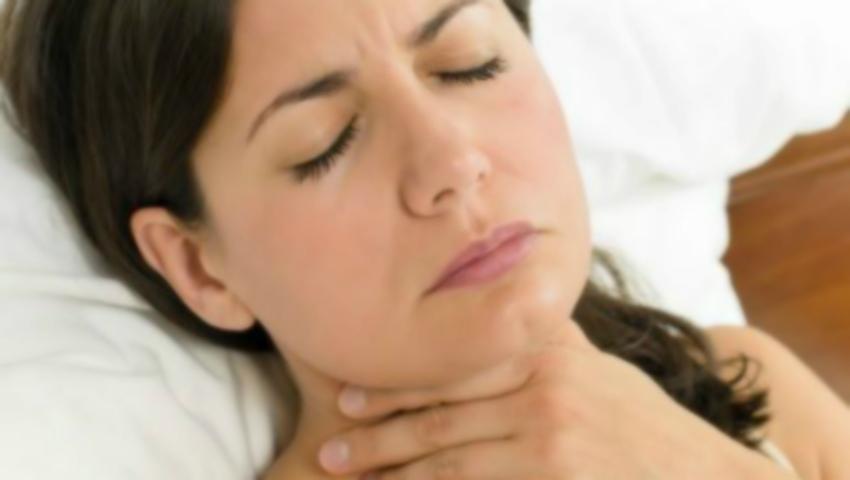 Foto: Durerea în gât: cauze şi tratament