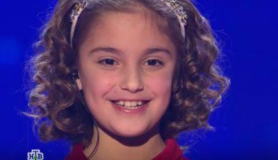 """O fetiță de 8 ani, de la un orfelinat din Hâncești, la show-ul """"Ты супер!"""" din Rusia! Vezi cum a cântat ,,Ioane, Ioane"""""""