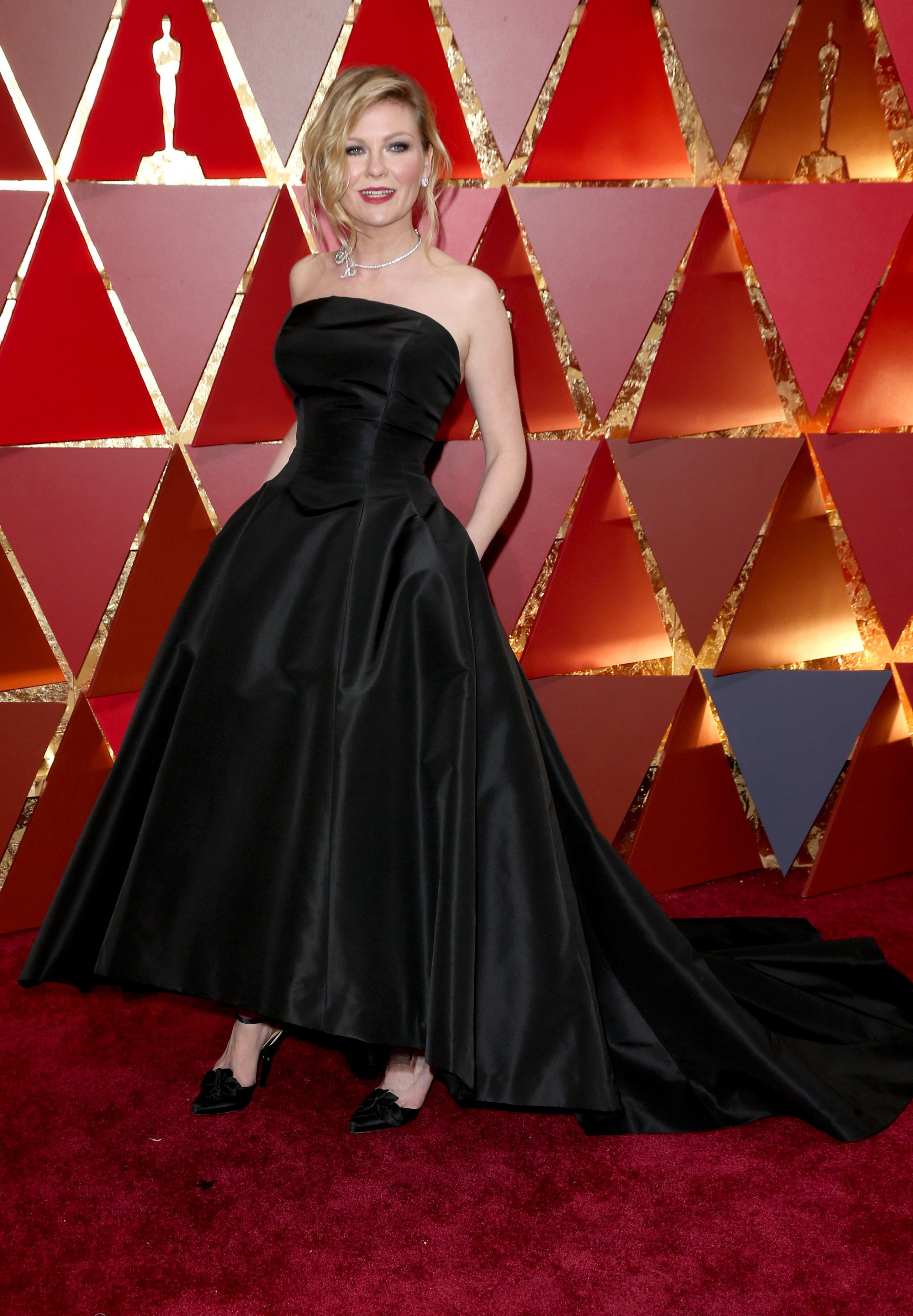 Mandatory Credit: Photo by Jim Smeal/BEI/Shutterstock (8434881wg) Kirsten Dunst 89th Annual Academy Awards, Arrivals, Los Angeles, USA - 26 Feb 2017