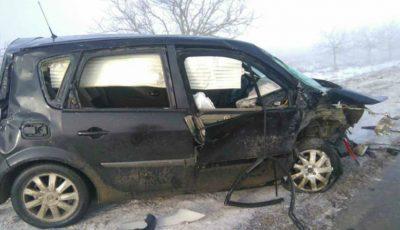 Accident cu trei victime și cu intervenția pompierilor pe traseul Chișinău – Orhei