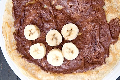 clatite-cu-banane-si-sos-de-ciocolata-7