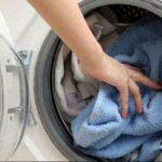 Foto: De ce miros urât prosoapele după spălare?
