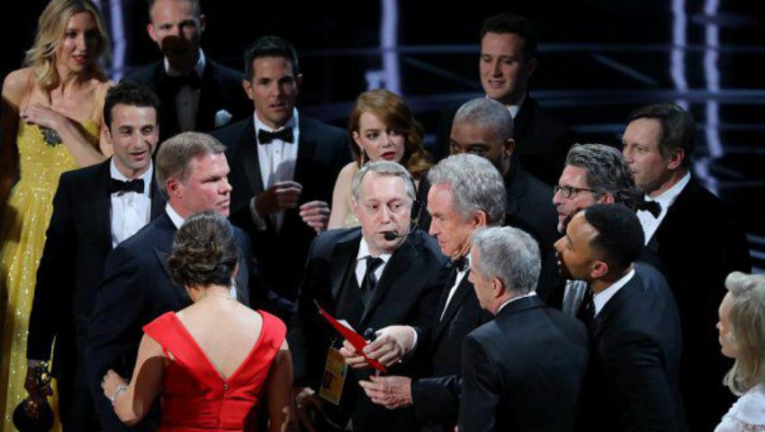 Foto: Gafă de proporții la decernarea Premiilor Oscar! Prezentatorul a încurcat câștigătorul
