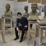 Foto: Un tânăr de 21 de ani l-a sculptat pe Ștefan cel Mare. Moldoveanul are un viitor promițător!
