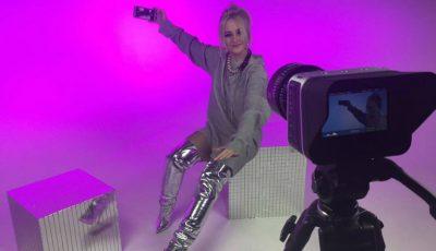 Alexandra Druc se lansează ca interpretă solo. Vezi imagini exclusive de la filmările primului videoclip
