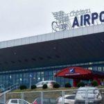 Foto: Alertă cu bombă la Aeroportul Chișinău. Toţi călătorii sunt evacuați