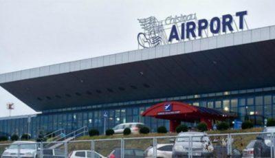 Alertă cu bombă la Aeroportul Chișinău. Toţi călătorii sunt evacuați